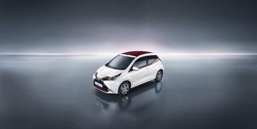 Toyota Aygo X-Pose: Bordó varázslat