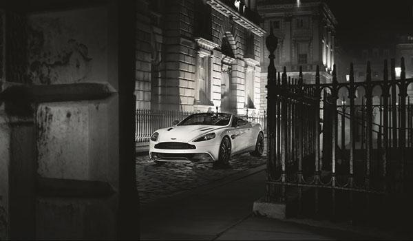 Aston Martin Vanquish Volante: Carbon Edition
